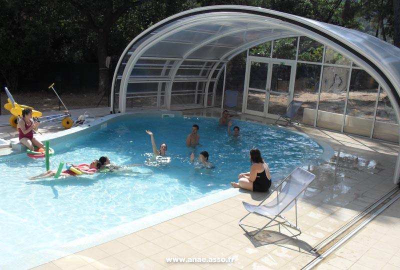 Baignade dans la piscine de la Villa Costebelle à Hyères
