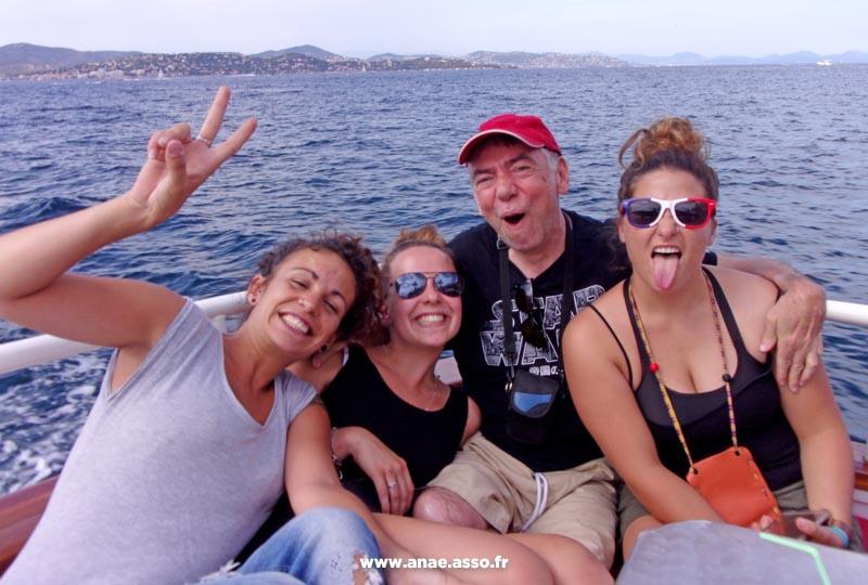 Excursion encadrée à bord d'un bateau