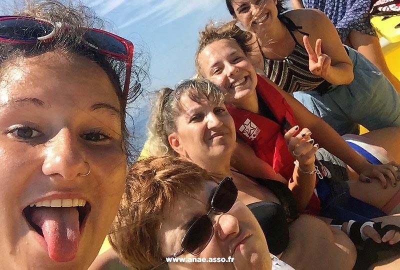 sejours-vacances-adaptees-handicap-promenade-mer