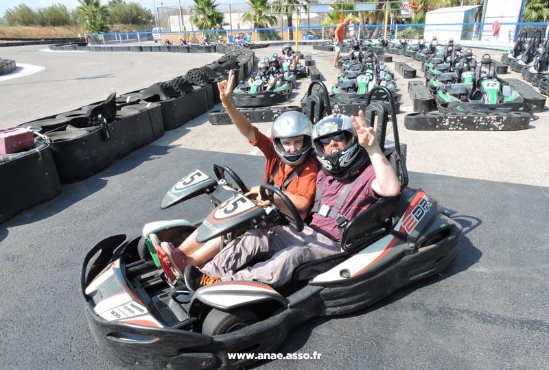 Les séjours de vacances adaptées de l'Anaé proposent des activités originales comme le karting