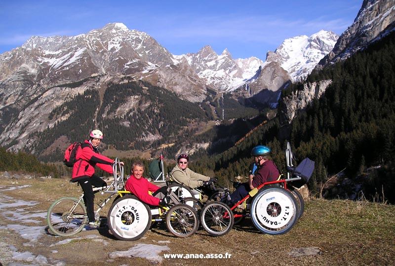 Randonnée adaptée PMR en cimgo à la montagne