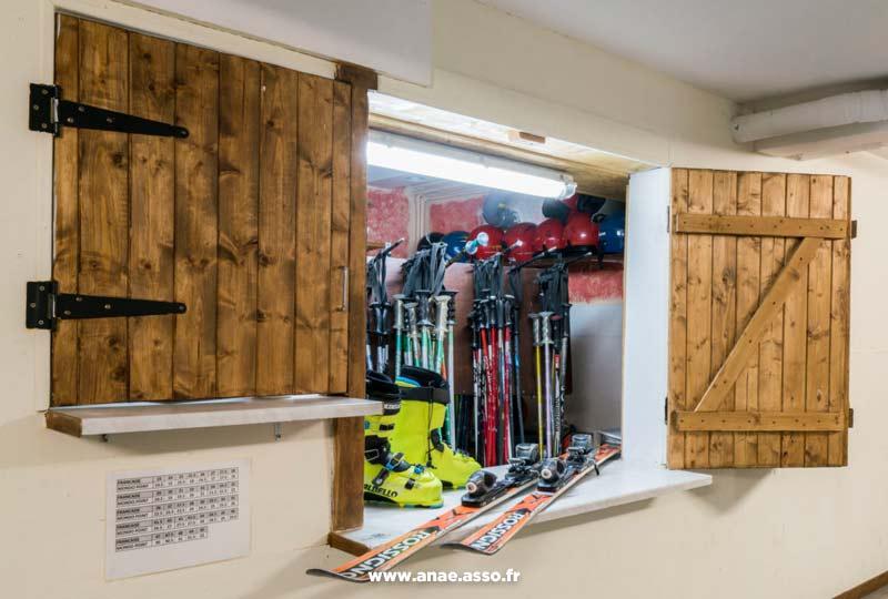 Local pour ranger le matériel de ski