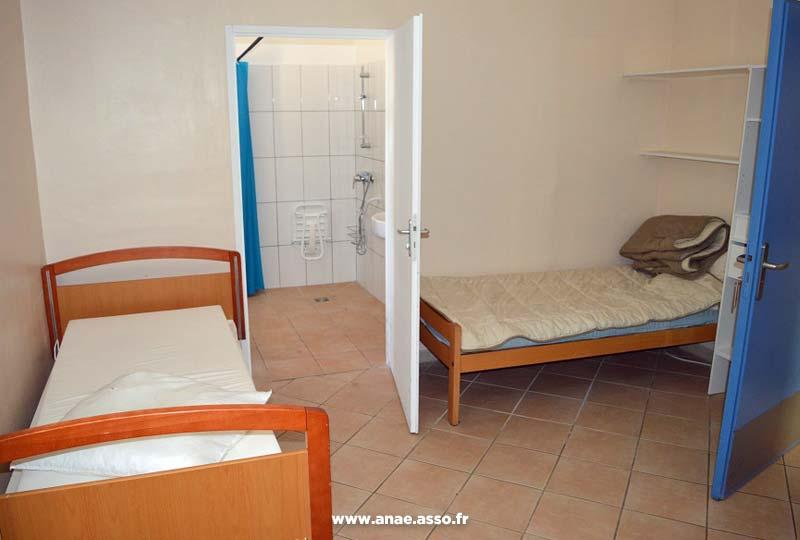 La Villa Costebelle dispose de chambres adaptées PMR avec douche italienne