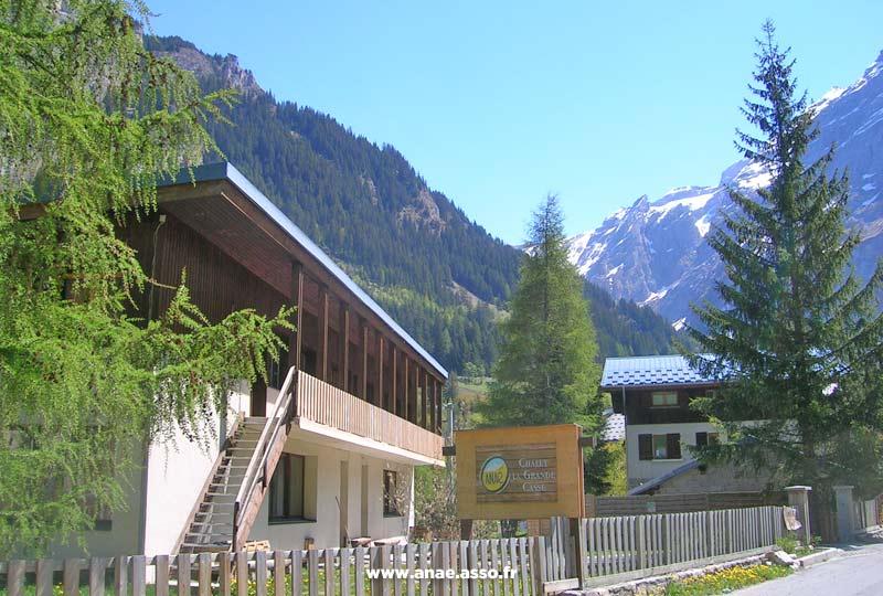 Entrée du chalet Anaé à Pralognan-la-Vanoise