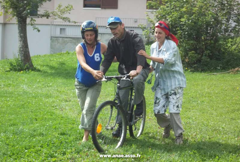 Pratique du vélo pendant un séjour de vacances adaptées