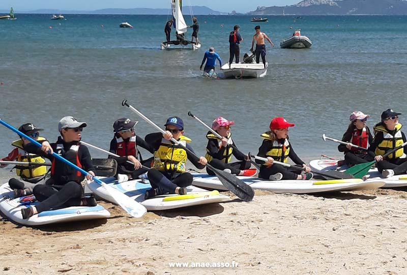 classe-decouverte-mer-sejour-enfant-initiation-paddle-1