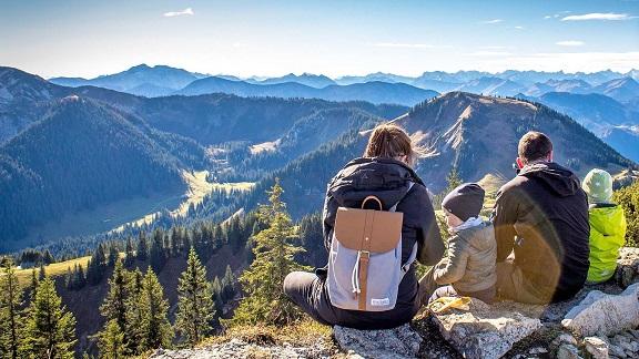 sejour-vacances-famille-montagne-printemps-ete-enfants